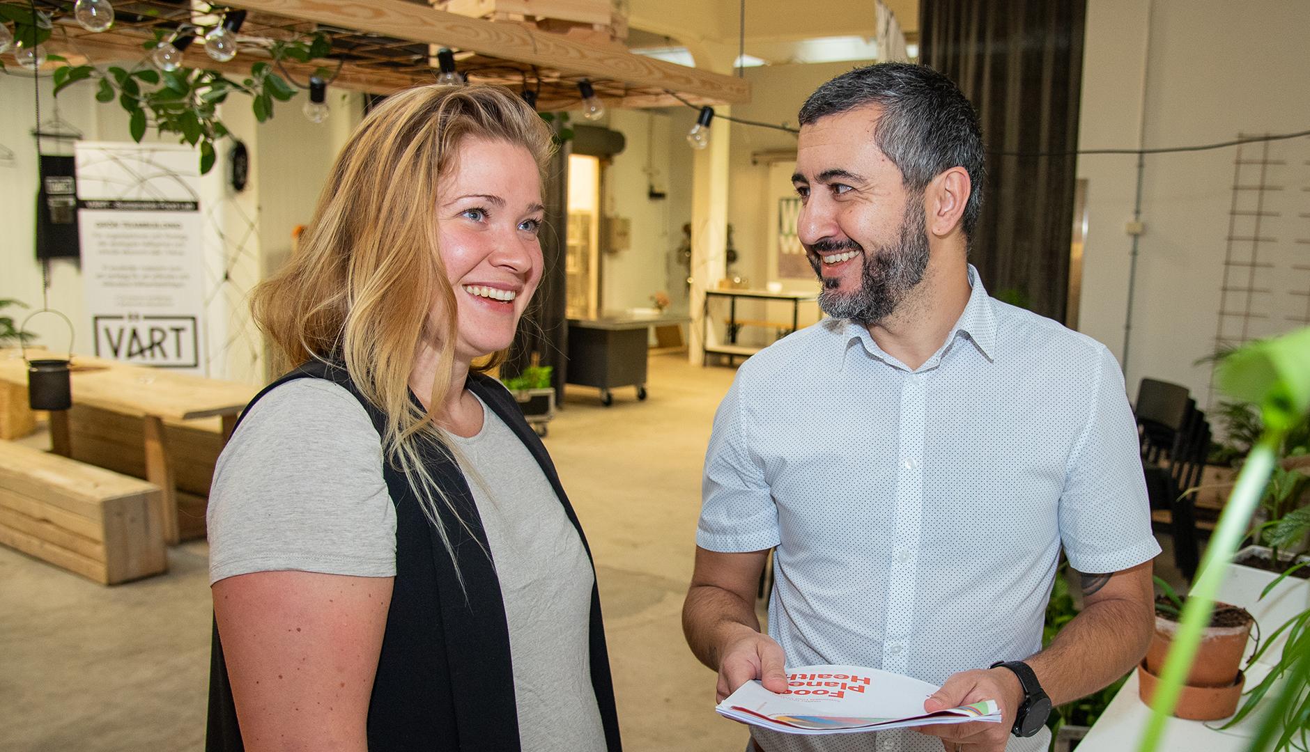 Corina Akner är produktdesigner och har startat VÄRT Sustainable Food Lab, som bland annat hjälper kunder att ställa om till hållbara verksamheter.